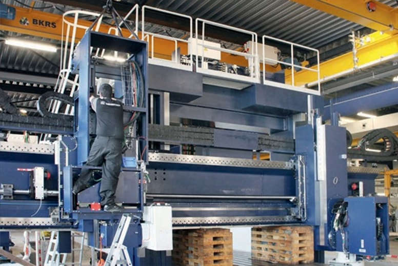 De Rooy Slijpcentrum Grinding of large workpieces
