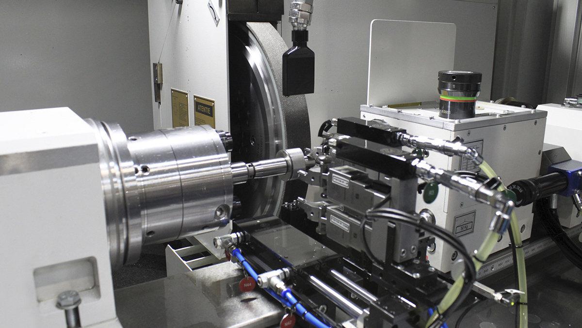 Kanpoaldeak artezteko makina - Diesel injekzioko ponparen ardatza DANOBAT
