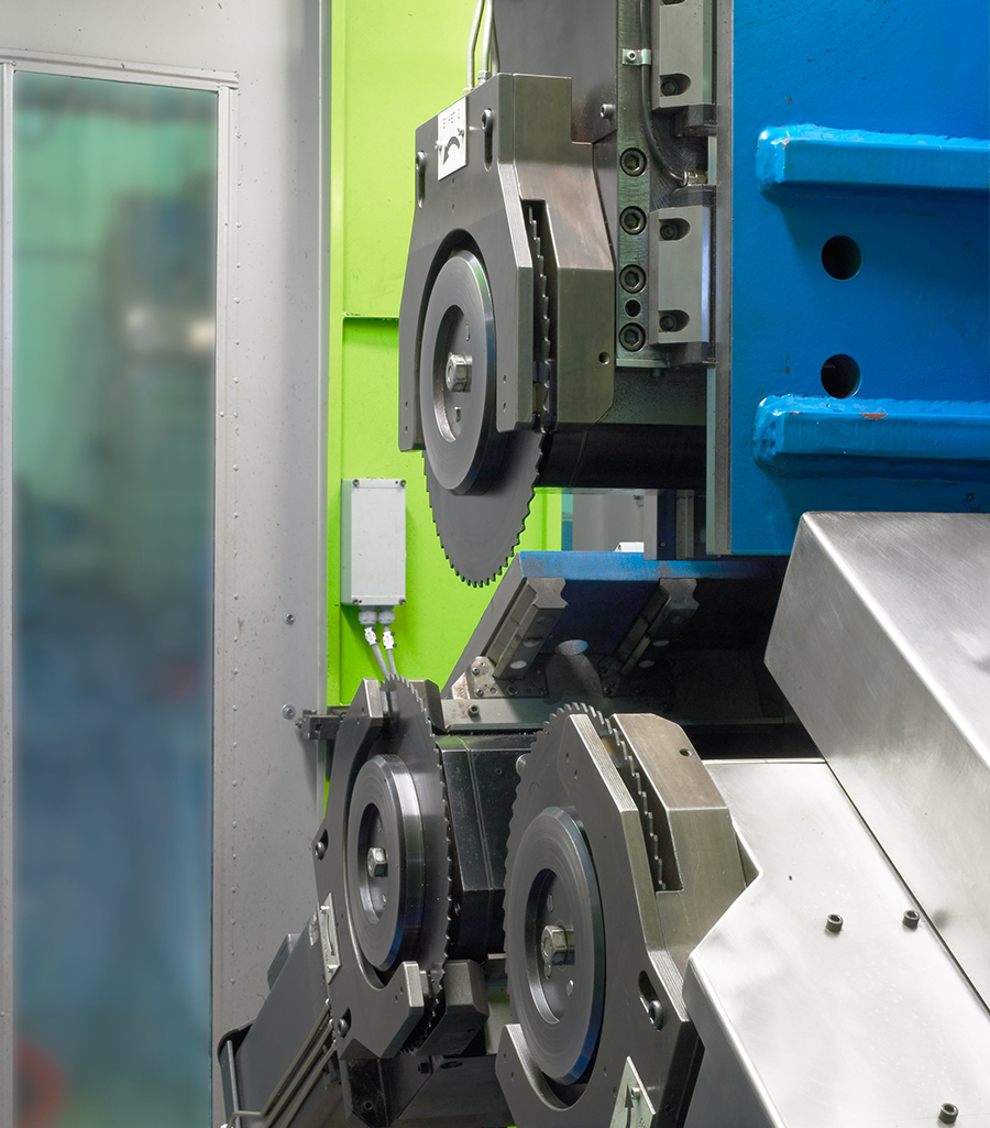 DANOBAT has developed a high precision multi-disk cutting solution for the automotive, oil&gas and bearing manufacturing sectors
