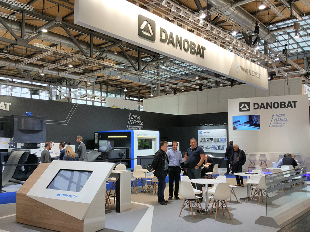 Large influx of visitors at the stand of DANOBAT's Sheet Metal Division at EUROBLECH exhibition