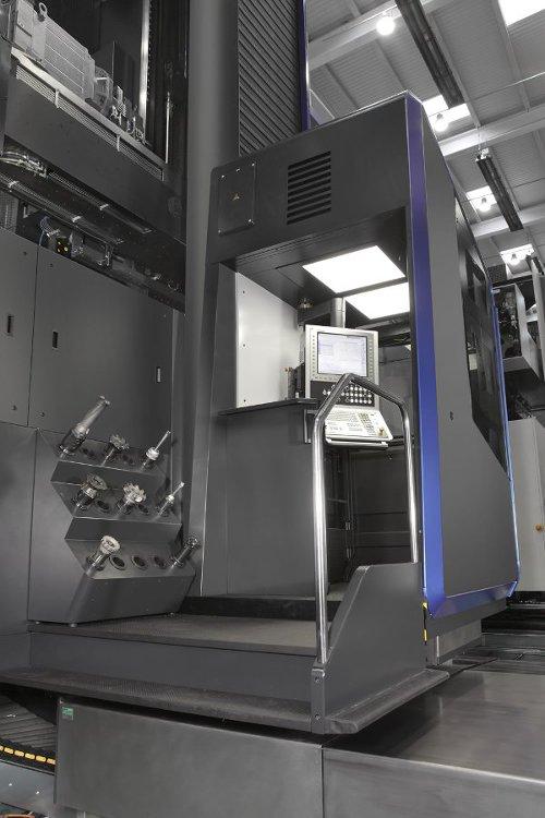 SORALUCE FXR machine cabinet