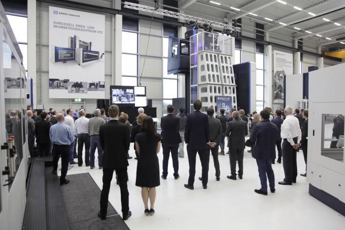 Technologietage in Limburg: 'Ahead of its time' Kunden aus aller Welt auf 'Technologie-Tour' im Technologie- und Servicezentrum von BIMATEC SORALUCE