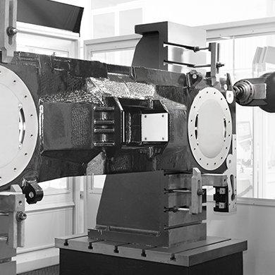 Торцевая обработка компонентов, монтируемых на угловой плите